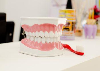 dr-agachi-adriana-chirurgiens-dentistes